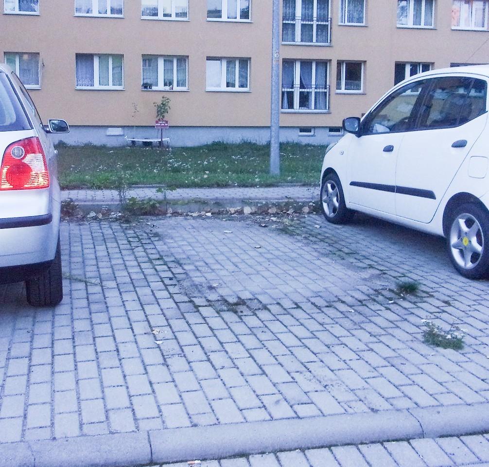 Wraki z Kosiby i Spółdzielczej usunięte po interwencji istotne.pl z-index: 0