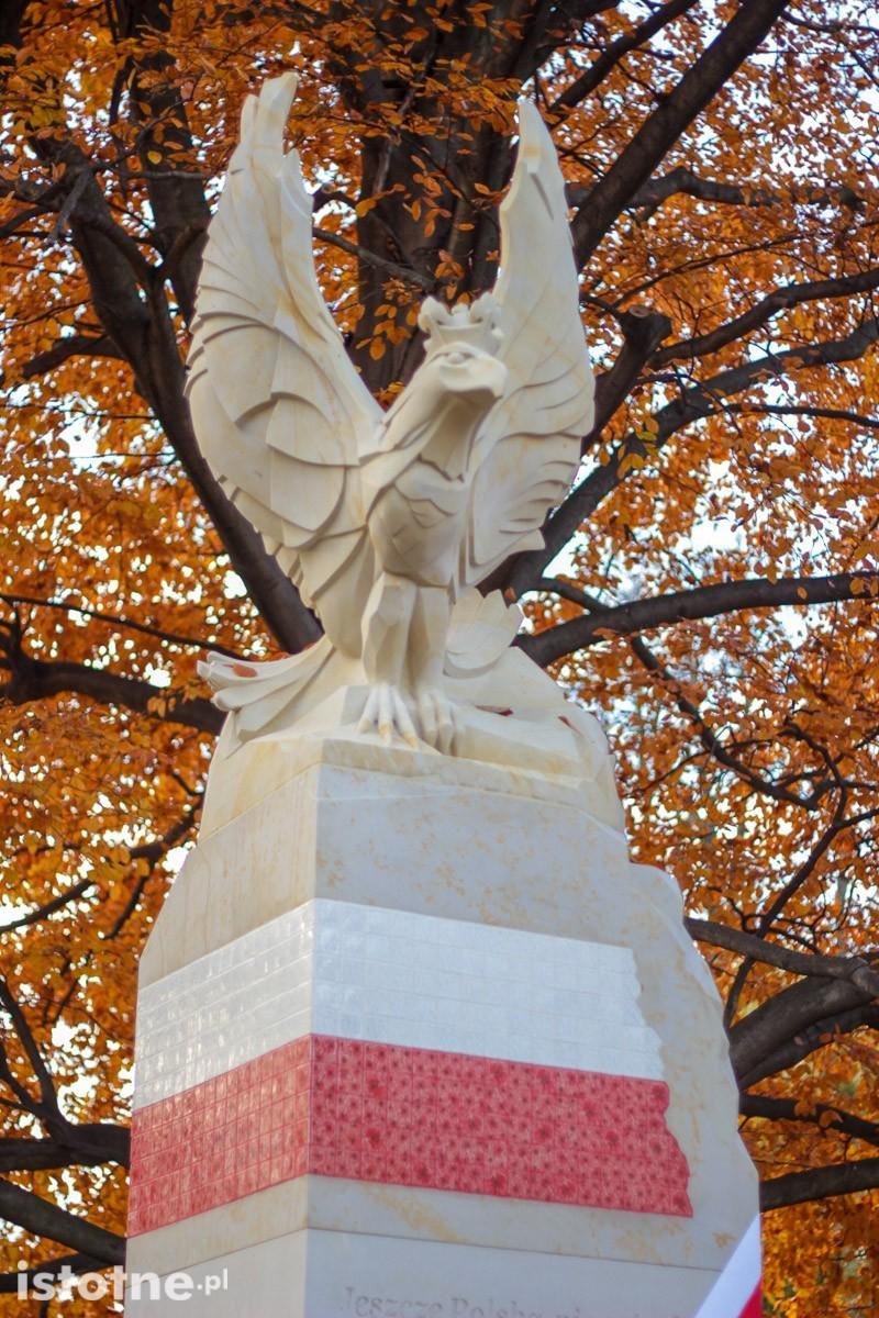 Uroczystość odsłonięcia pomnika 100-lecia Odzyskania Niepodległości