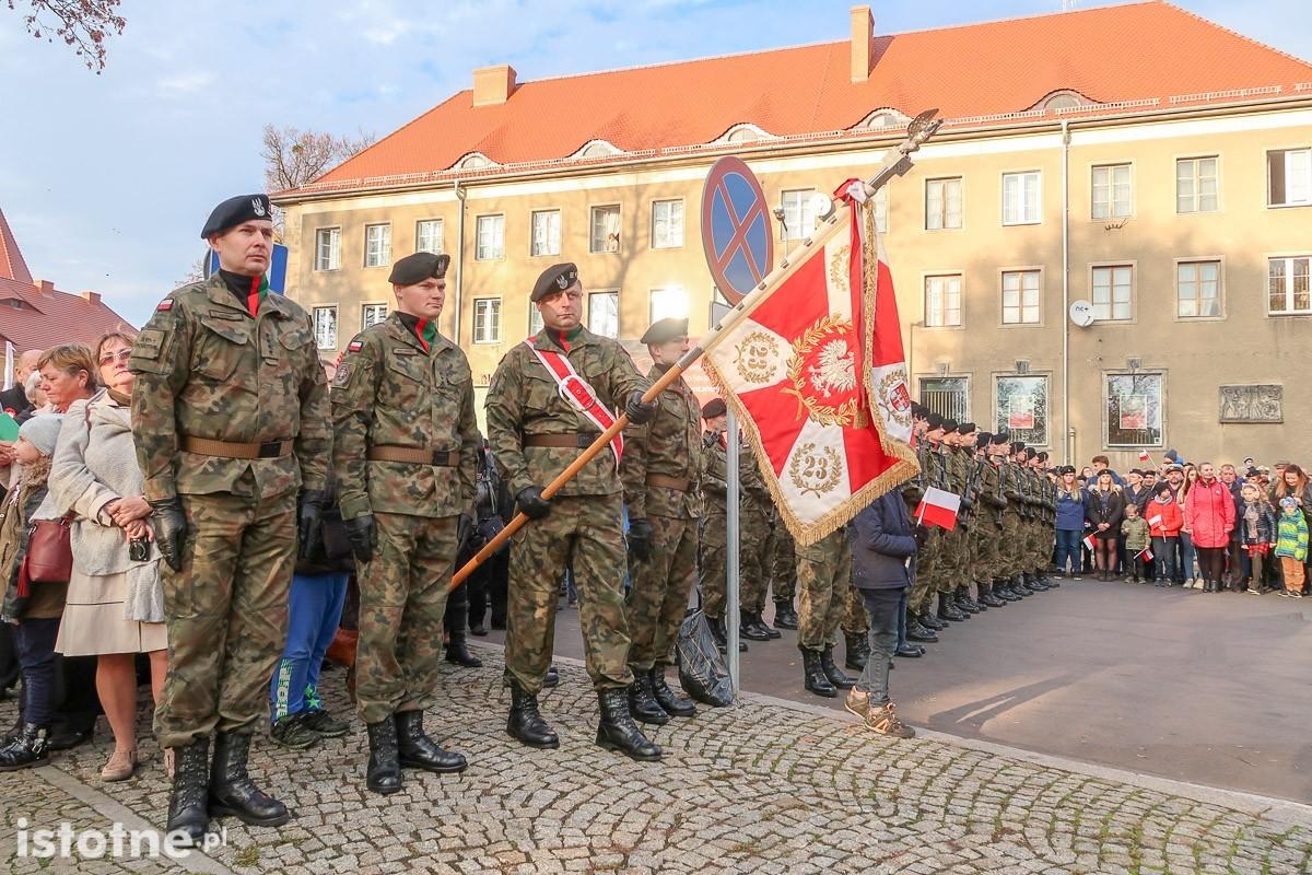 Uroczystość odsłonięcia pomnika 100-lecia Odzyskania Niepodległości z-index: 0