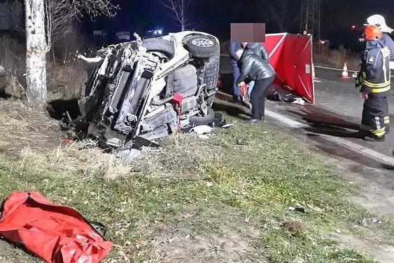 """Śmiertelny wypadek na krajowej """"3"""". 31-letni kierowca kii nie żyje z-index: 0"""