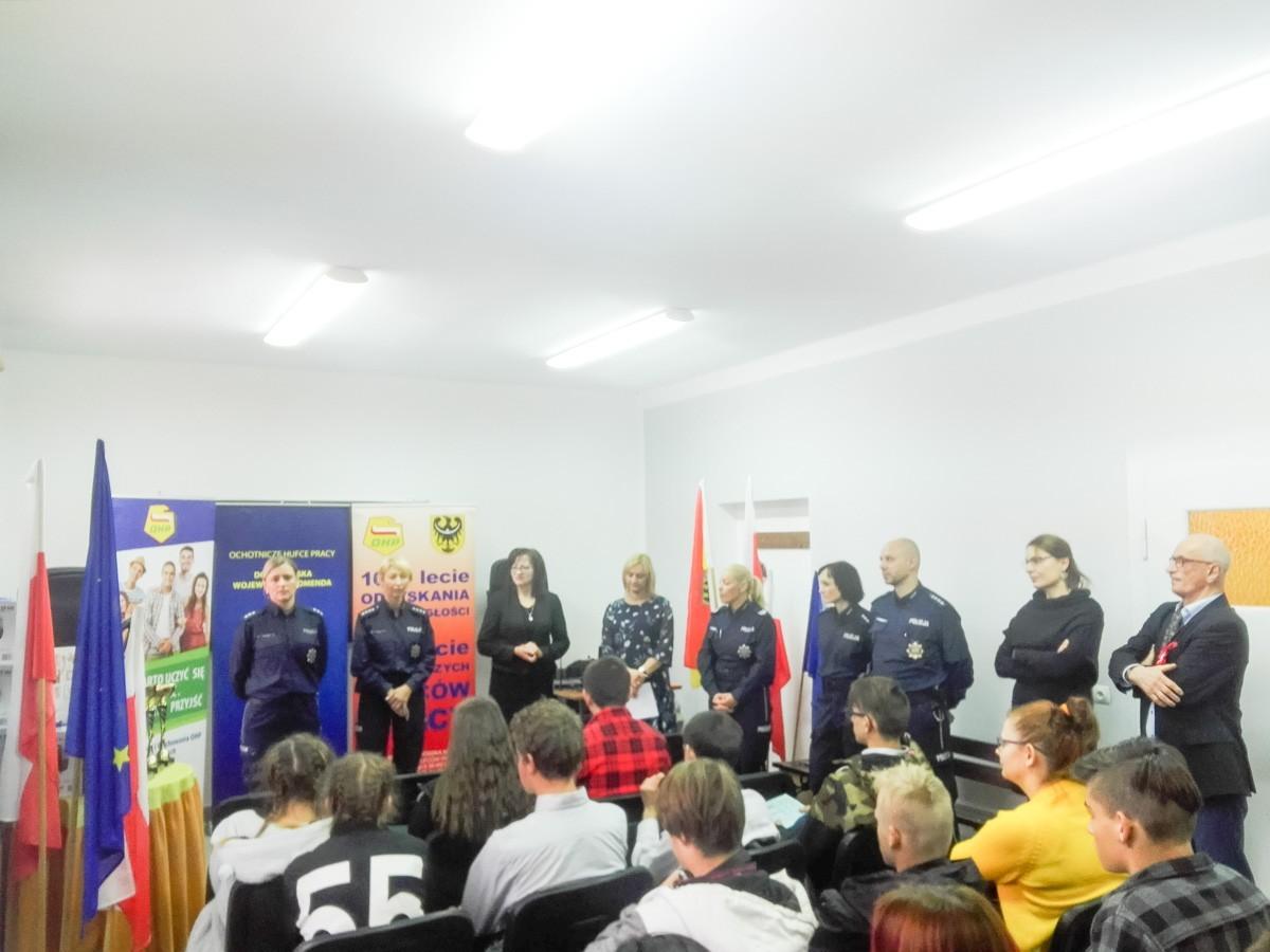 Młodzież z bolesławieckiego Hufca Pracy na 3 miejscu w policyjnym konkursie z-index: 0