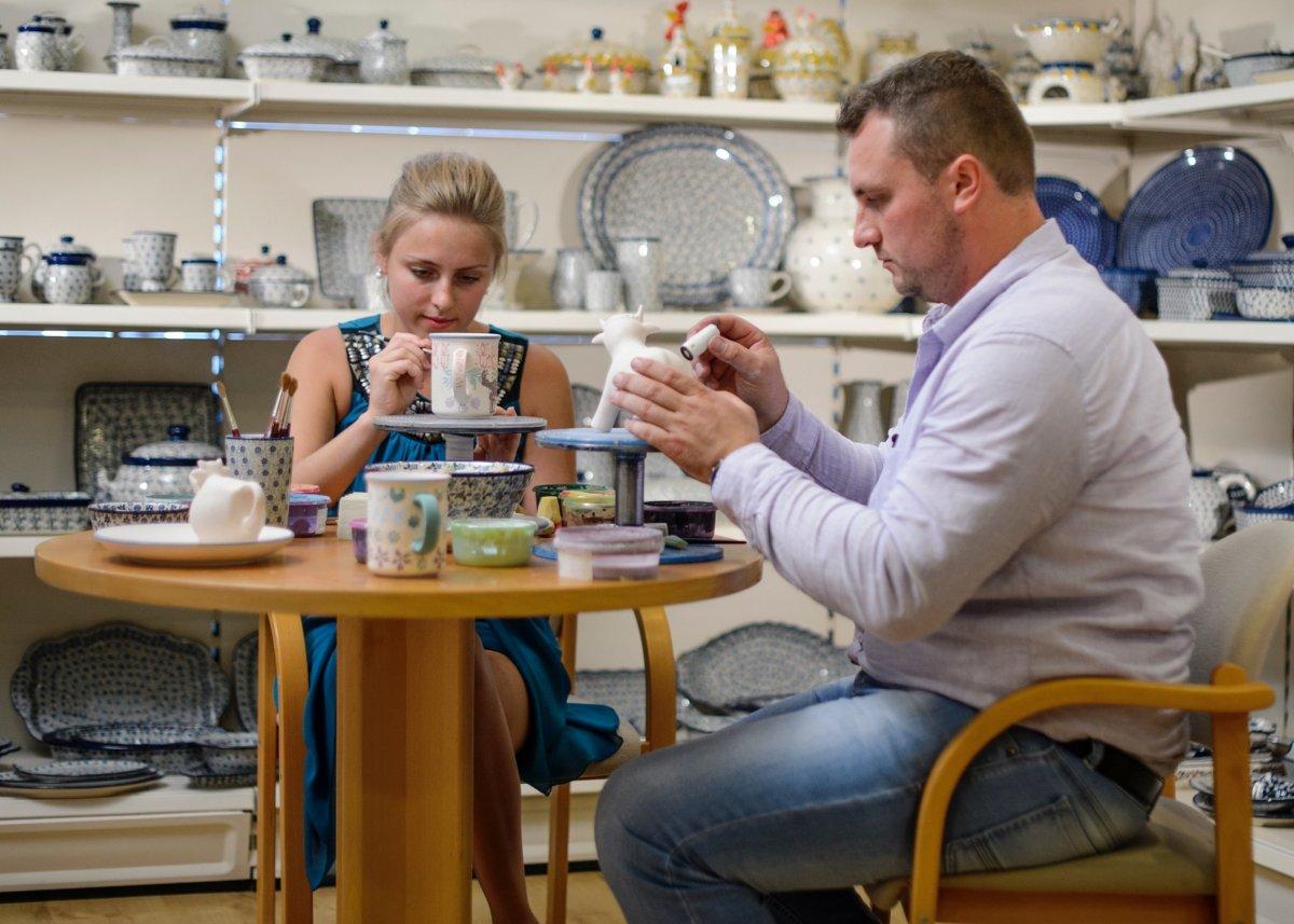 Rolnik szuka żony w Ceramice Artystycznej Spółdzielni Rękodzieła Artystycznego