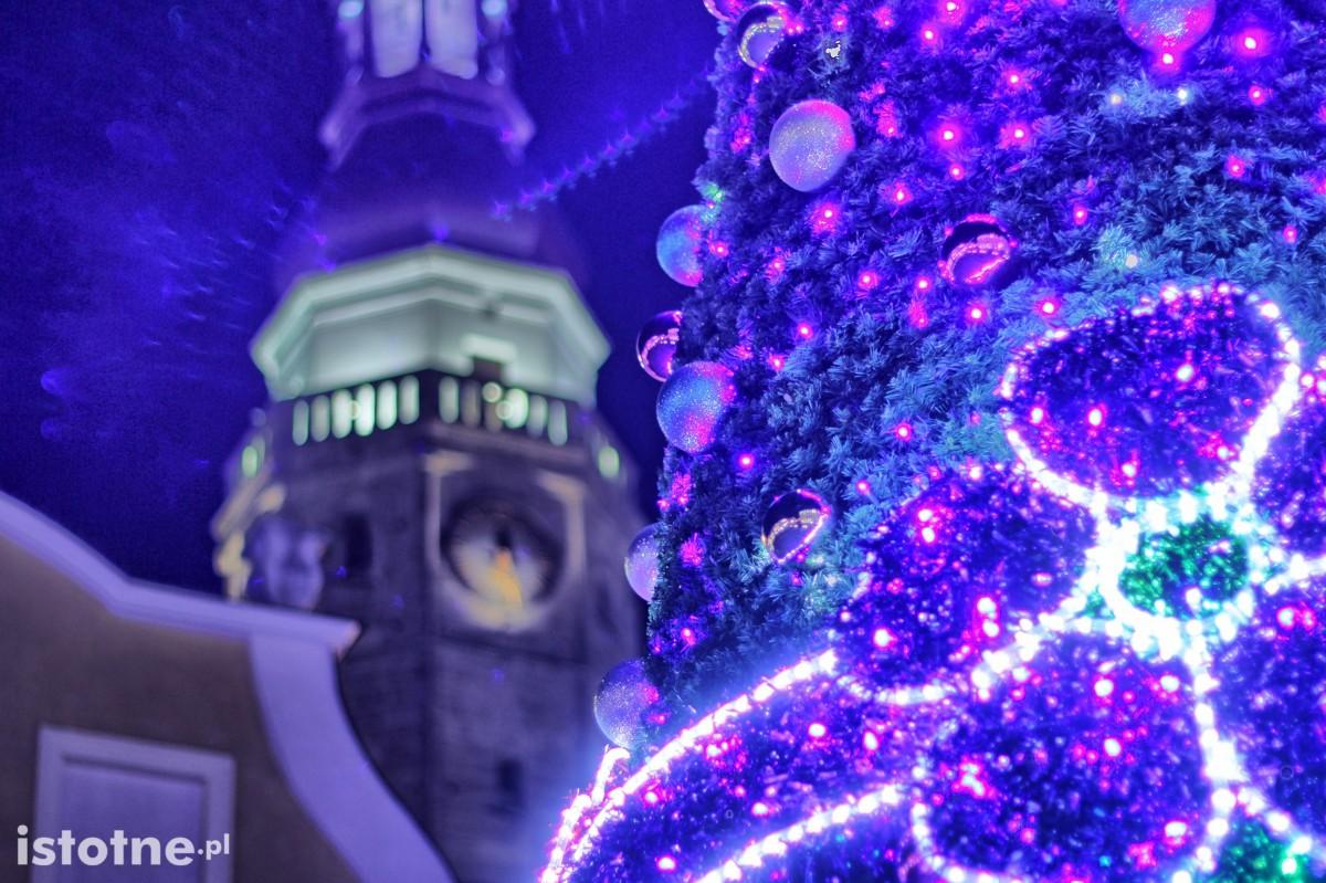 Świąteczne dekoracje w bolesławieckim rynku z-index: 0