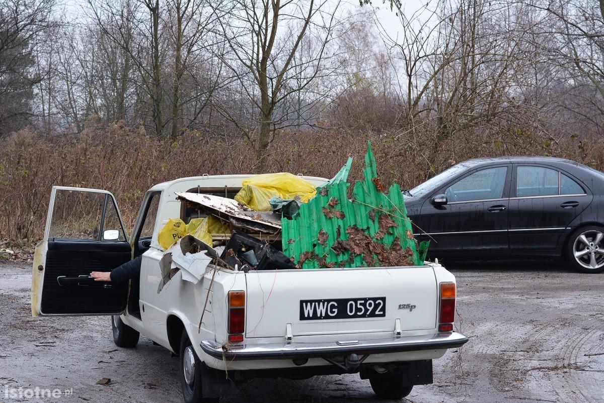 Trwa wielkie sprzątanie Kolonii Staszica z-index: 0