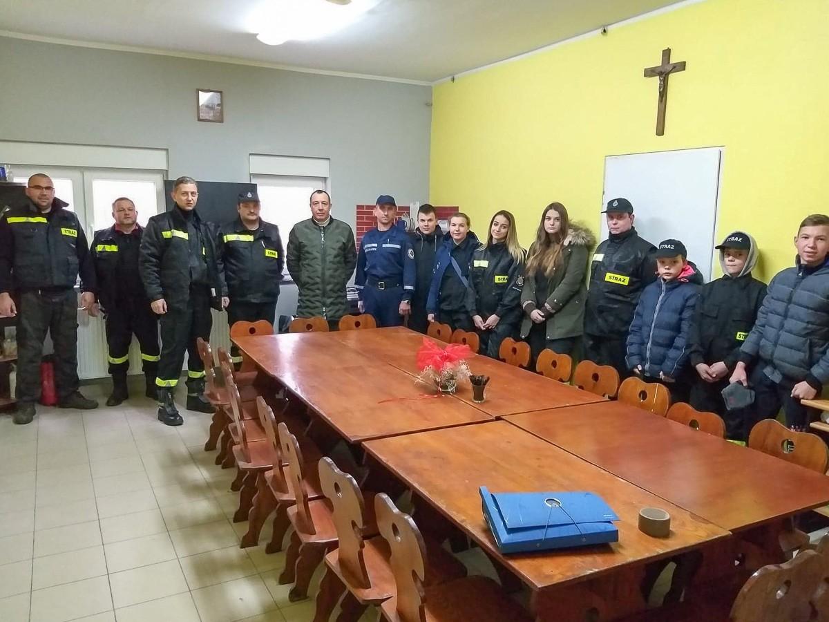 Strażacy przekazali ukraińskiej jednostce wóz gaśniczy
