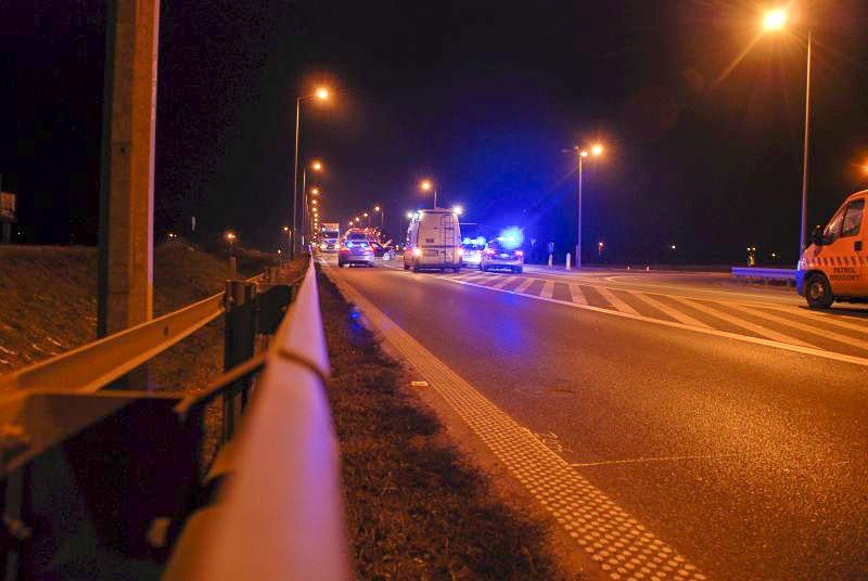 Wypadek na drodze 94. 19-latek stracił prawo jazdy, odpowie przed sądem