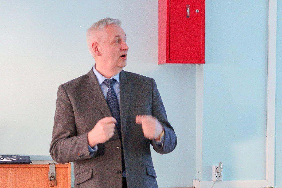 Prof. dr hab. Leszek Jerzak – wykład o bocianach na Uniwersytecie Trzeciego Wieku