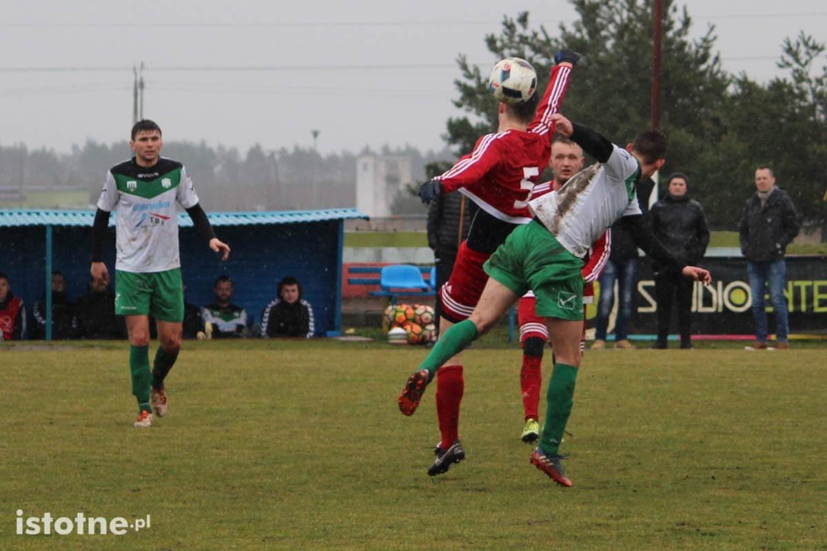 Wniedzielnym meczu bolesławianie przegrali zOrkanem Szczedrzykowice 0:2.