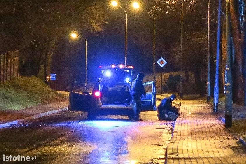 Niebezpieczni bandyci chcieli traktorem ukraść bankomat, policja złapała jednego z nich z-index: 0