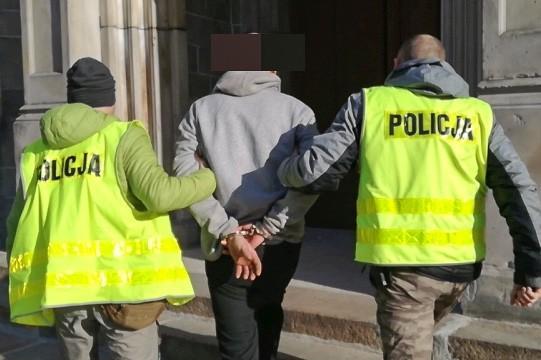Włamywacz-recydywista aresztowany. Popełnił co najmniej 10 przestępstw z-index: 0