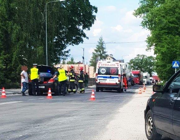 Zderzenie dwóch aut w Łące. Jedna osoba poszkodowana