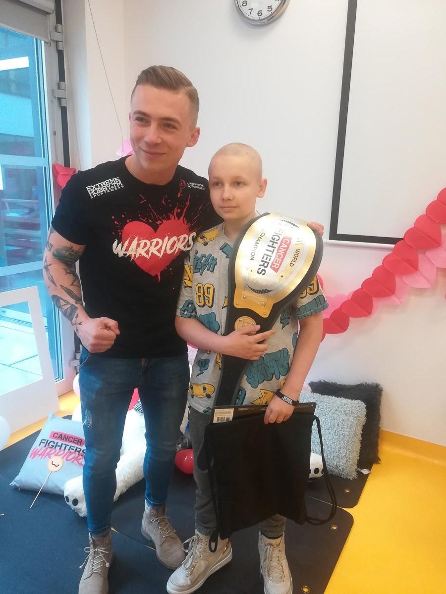 Paweł walczy z rakiem z-index: 0
