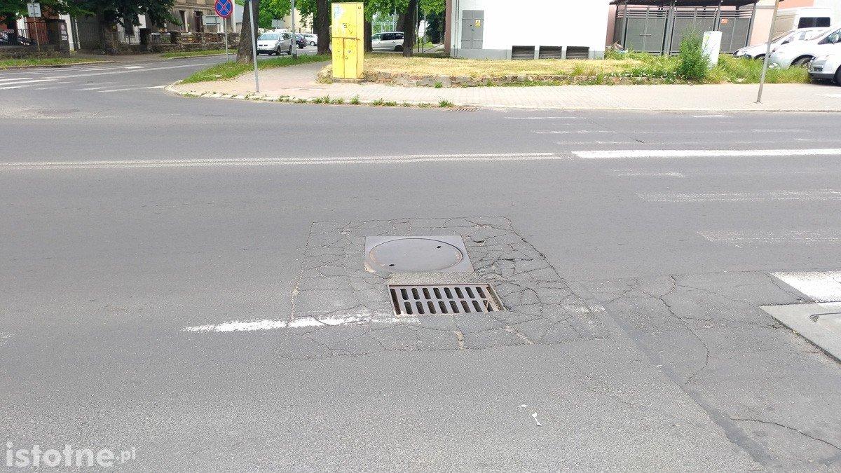 Studzienka przy ulicy Chrobrego w Bolesławcu