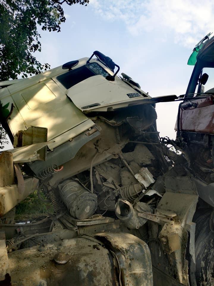Zderzenie dwóch ciężarówek koło Raciborowic
