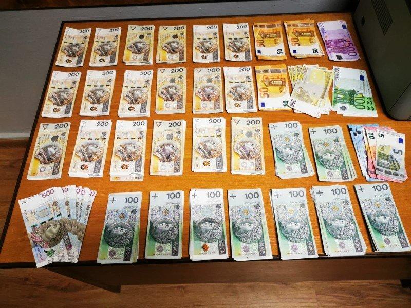 Pieniądze z kradzieży