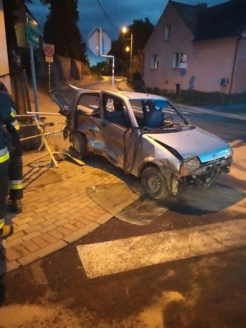 Wypadek na ul. Widok, dwie osoby ranne. Kierowca uciekł z miejsca zdarzenia