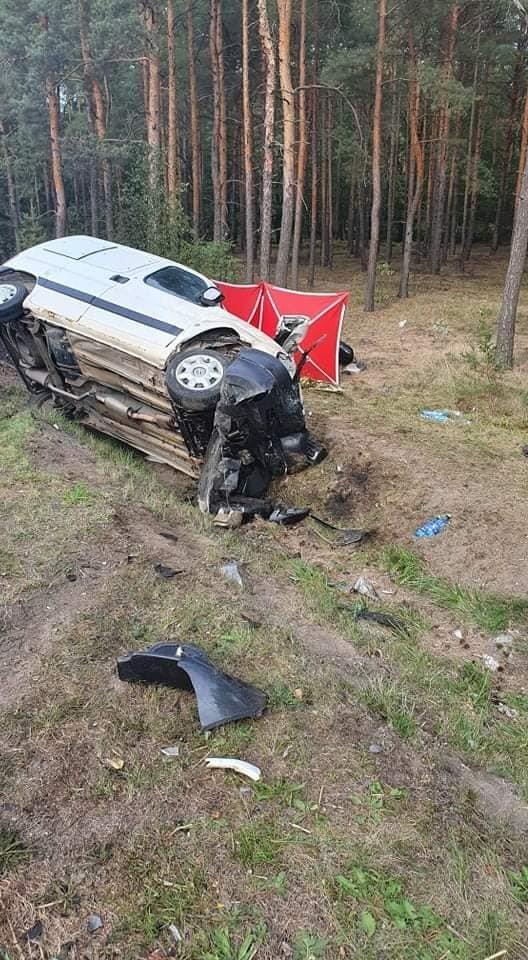Śmiertelny wypadek w Kozłowie, motocyklista nie żyje