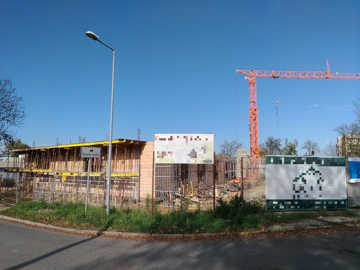 Przy ulicy Staszica powstaje budynek usługowy