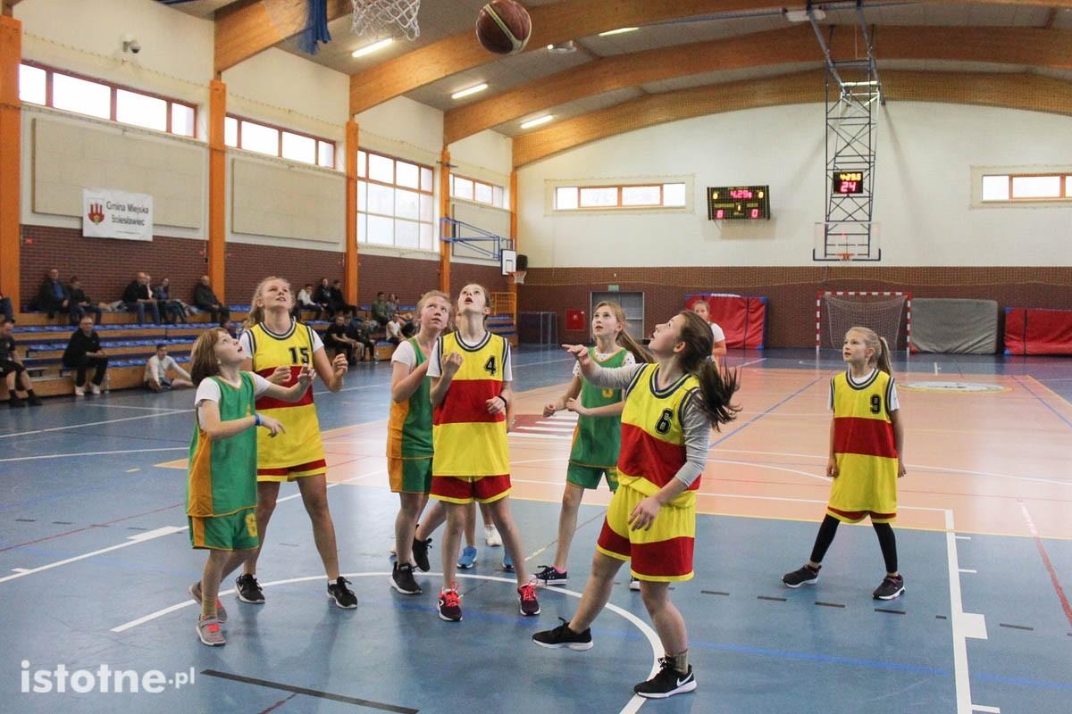 Święto Niepodległości: mecze USA – Polska. Pokazowy mecz młodych koszykarek