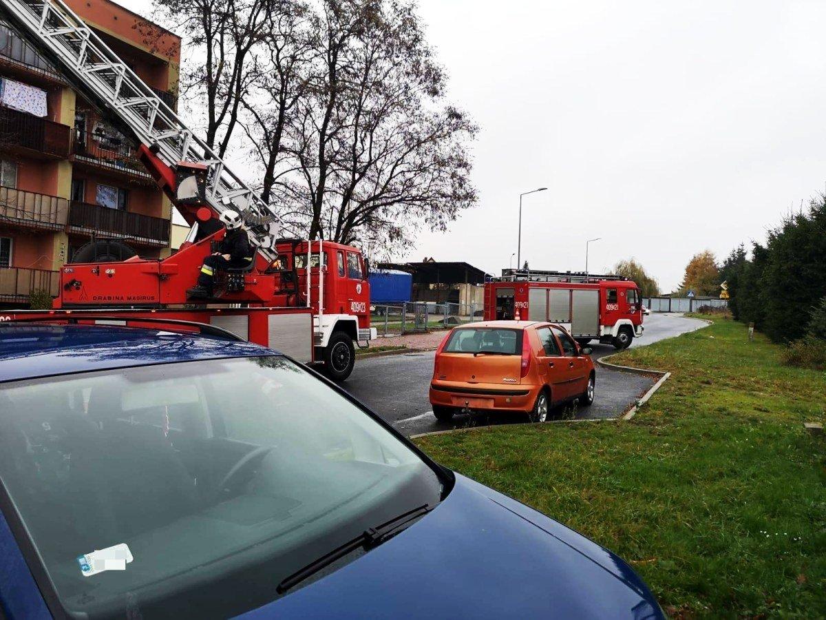 Balkonowa interwencja strażaków w Nowogrodźcu