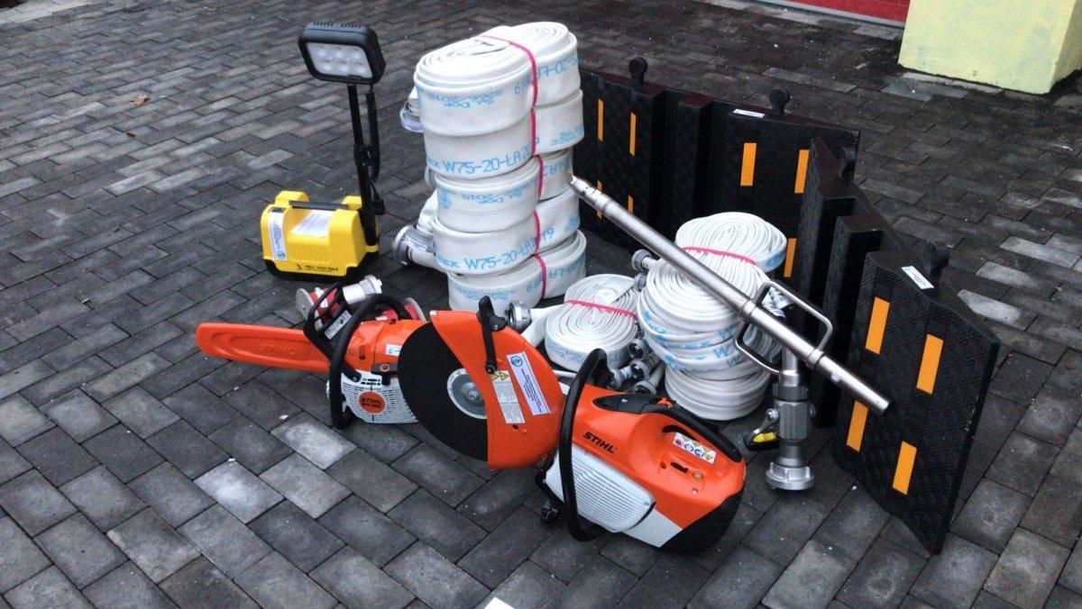 Strażacy z gminy Warta z nowym sprzętem