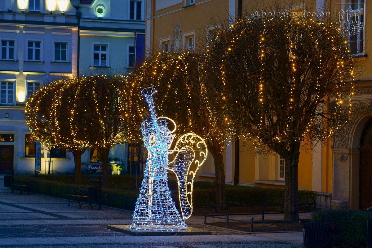 Aniołek nową ozdobą na bolesławieckim rynku
