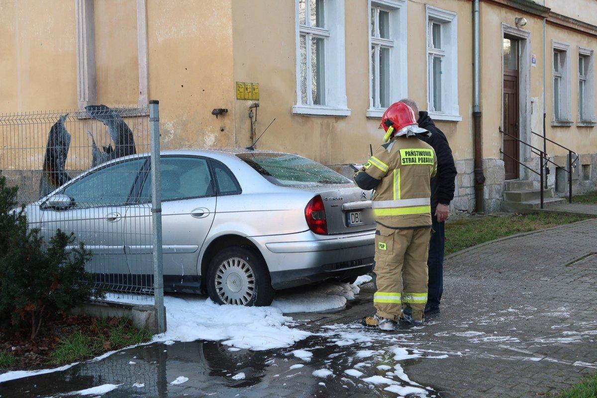 Pożar auta przy ul. Polnej