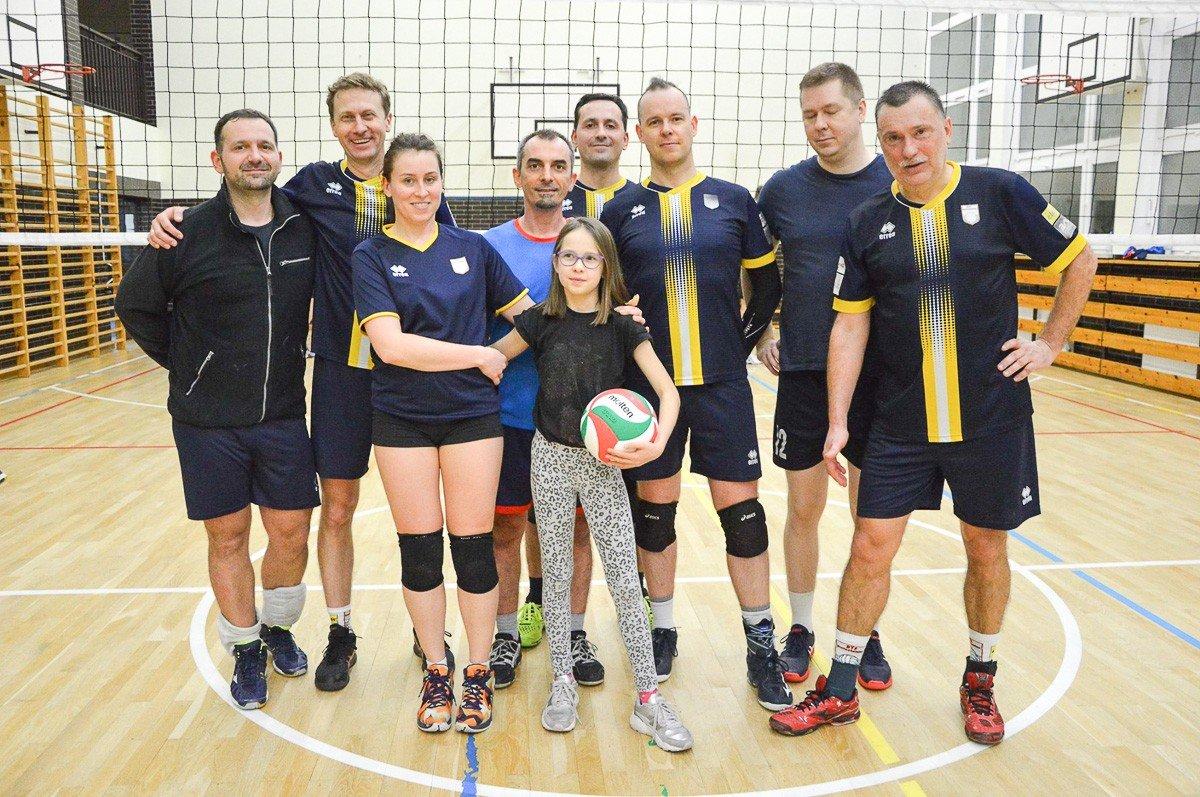 Noworoczny turniej siatkówki: drużyna Old Stars najlepsza