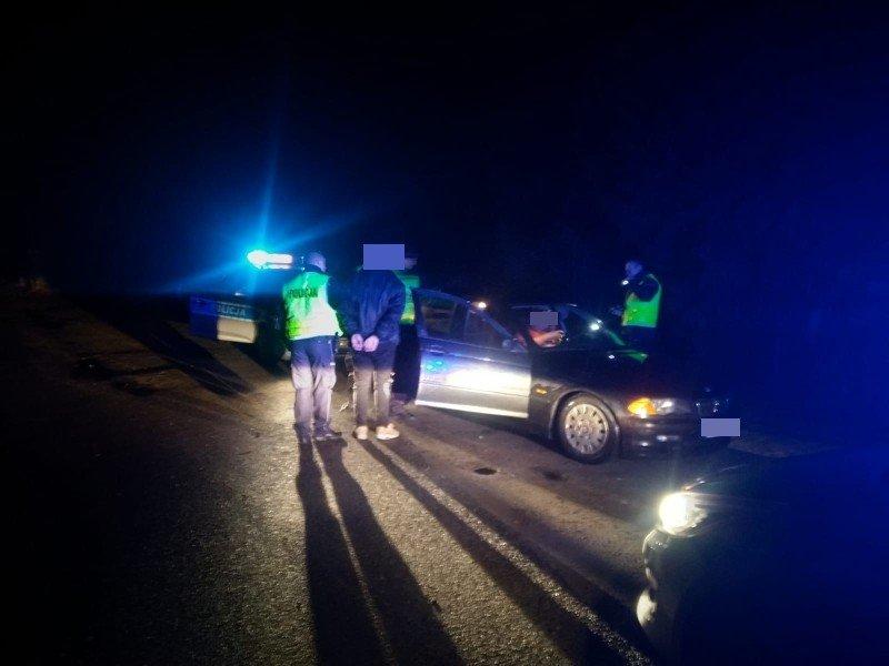 Kontrola drogówki. Kierowca pijany, a pasażer… z narkotykami