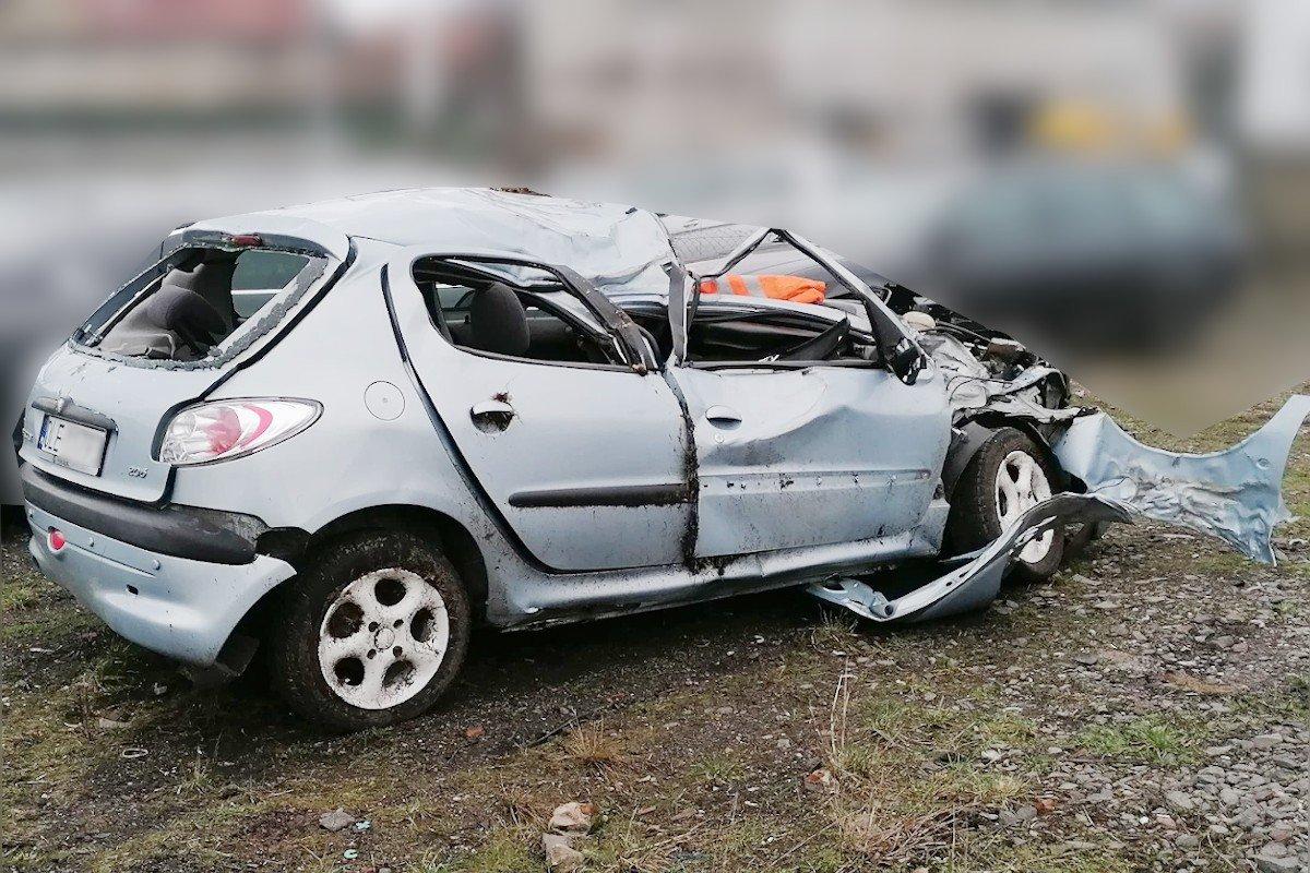 Wrak po wypadku na trasie Kliczków - Bolesławiec