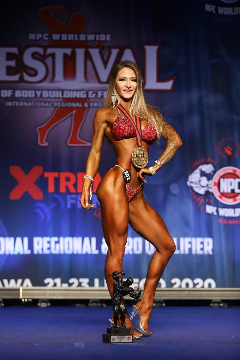 Katarzyna Janowiec z medalami Międzynarodowy na Festiwalu Sportów Sylwetkowych NPC