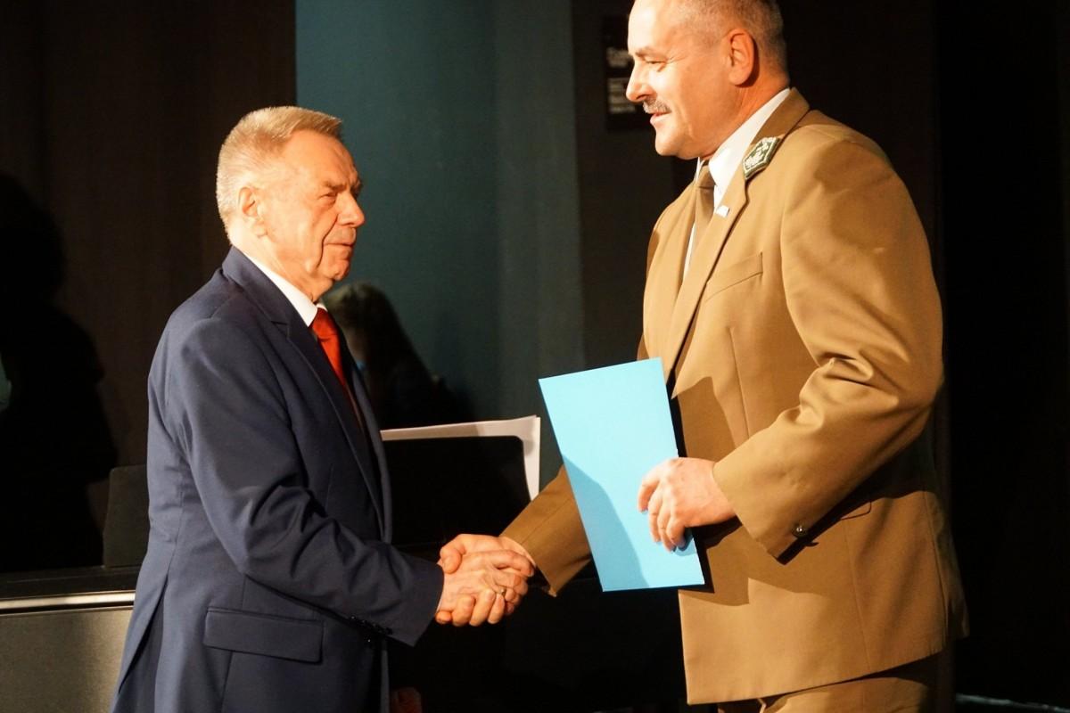 Koncert w Teatrze Starym w Bolesławcu. Podziękowanie dla osób, które pomogły w organizacji Opłatka