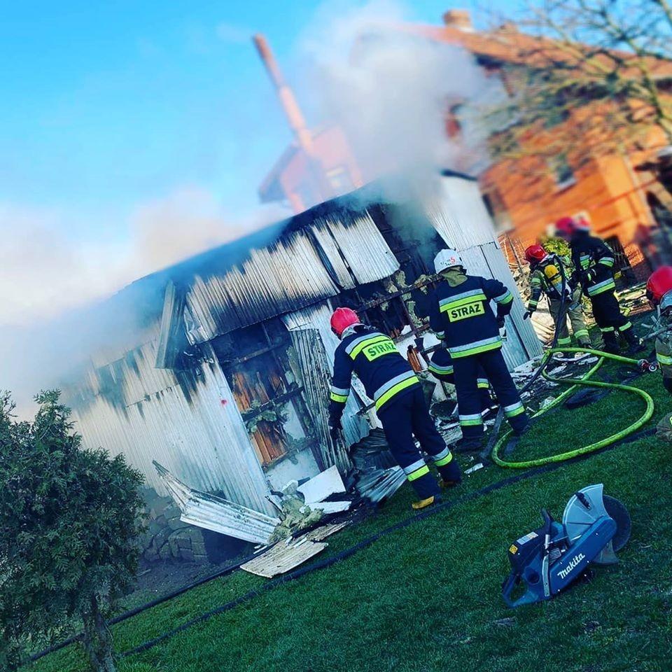 Akcja strażaków: pożar w Gierałtowie (gmina Nowogrodziec, powiat bolesławiecki)