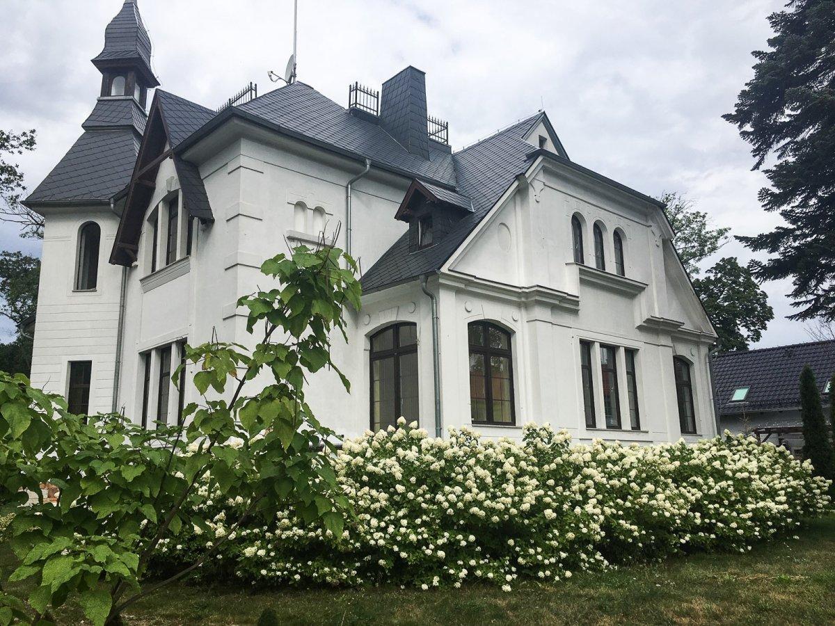 """Centrum Rehabilitacji Geriatrycznej """"Pałacyk Villa Mick"""" wParowej"""