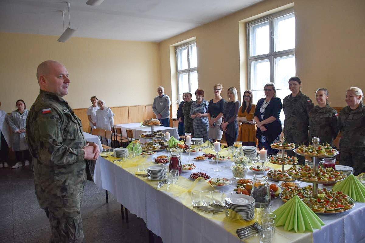Spotkanie z okazji Dnia Kobiet w 23 Śląskim Pułku Artylerii w Bolesławcu