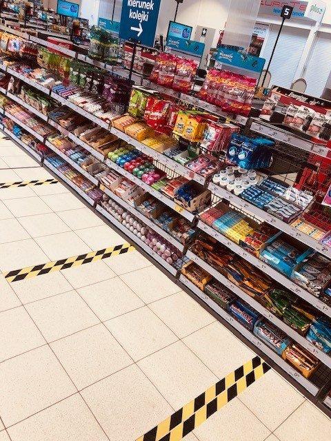 Carrefour, pasy wyznaczające odległość od klienta