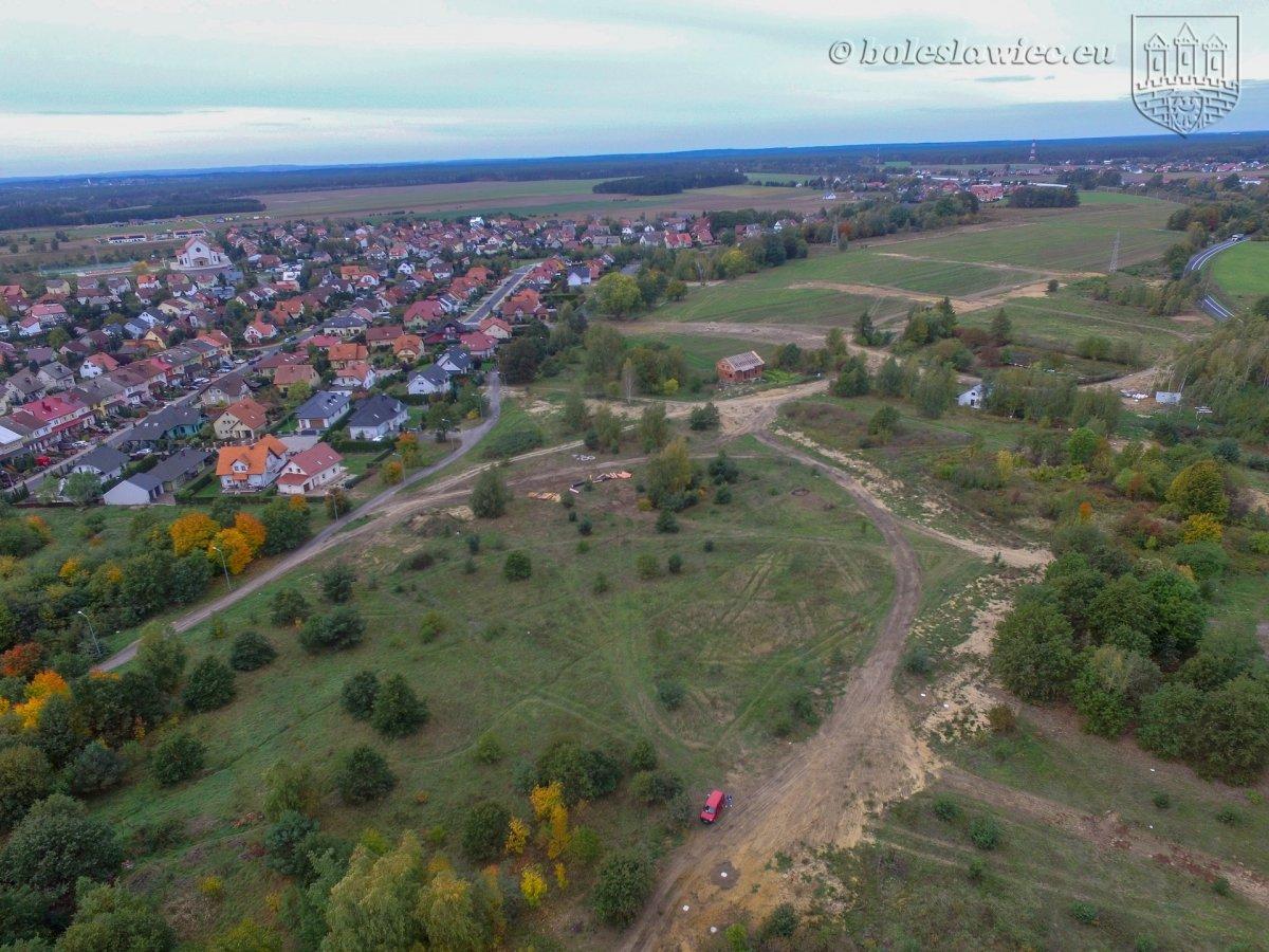 Droga w rejonie ulic Ptasiek i Widok w Bolesławcu