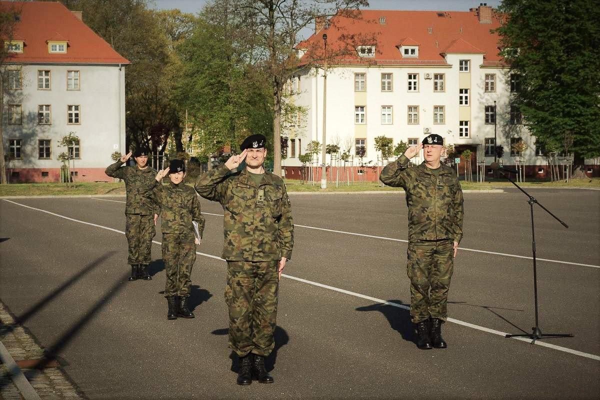 Uroczysta zbiórka w 23 Śląskim Pułku Artylerii w Bolesławcu