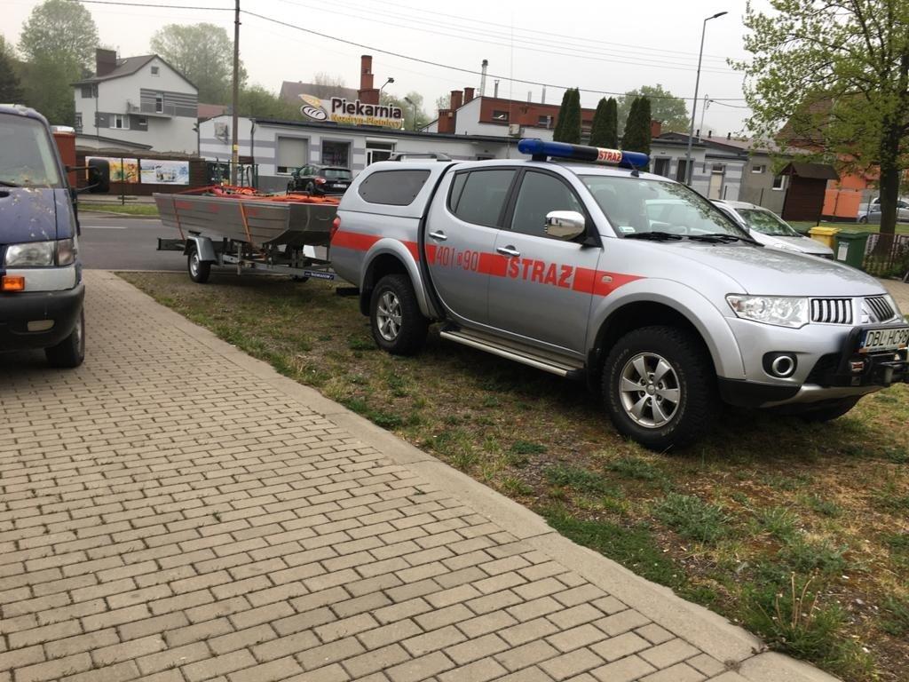 Akcja służb w Raciborowicach Dolnych (gmina Warta Bolesławiecka, powiat bolesławiecki)