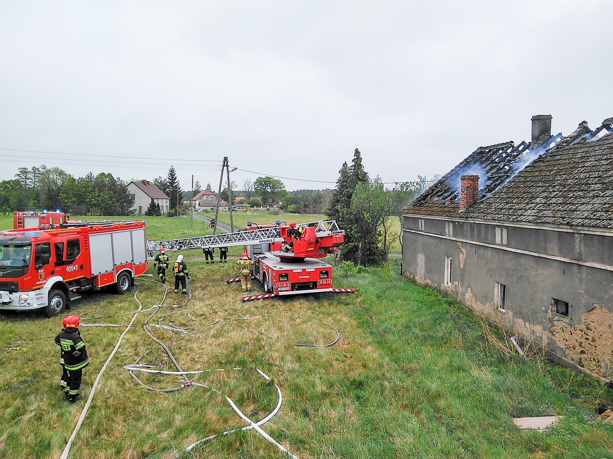 Akcja straży pożarnej w Motylach (gmina Gromadka, powiat bolesławiecki)