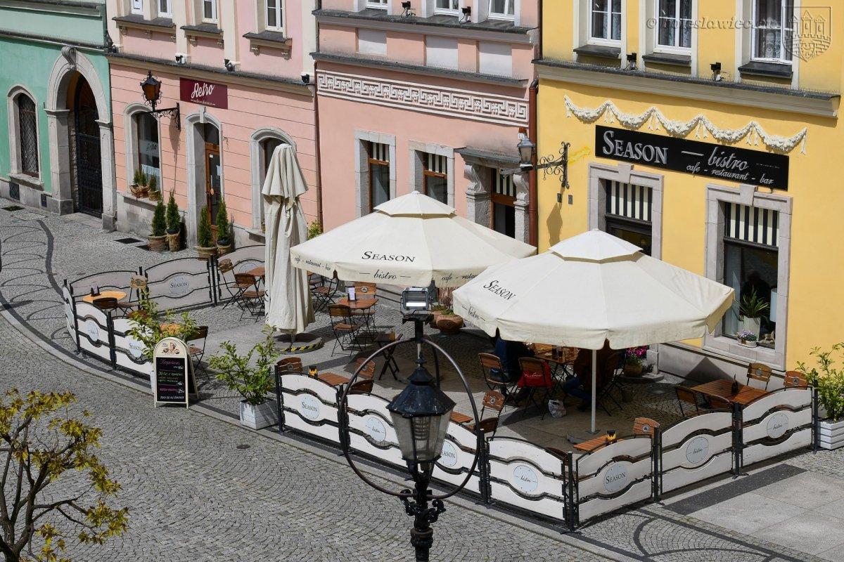 Na bolesławieckim Rynku działają ogródki kawiarniane