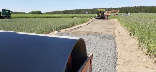 Budowa drogi w miejscowości Osła (gmina Gromadka, powiat bolesławiecki)