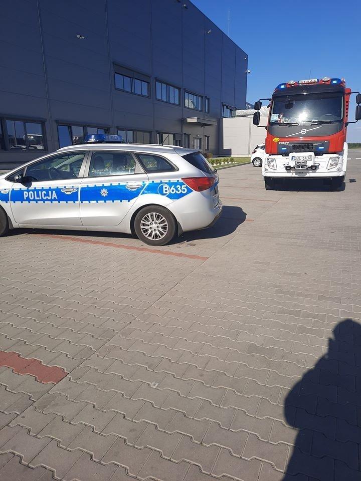 Akcja służb w strefie ekonomicznej w Osłej (gmina Gromadka, powiat bolesławiecki). Fałszywy alarm bombowy