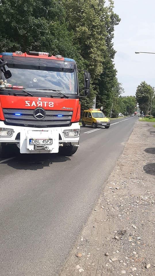 Akcja służb przy ulicy Jeleniogórskiej w Bolesławcu