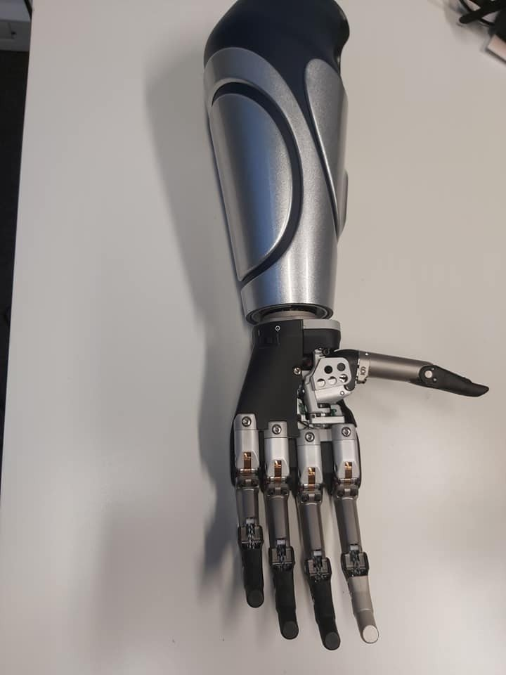 Bioniczna proteza ręki