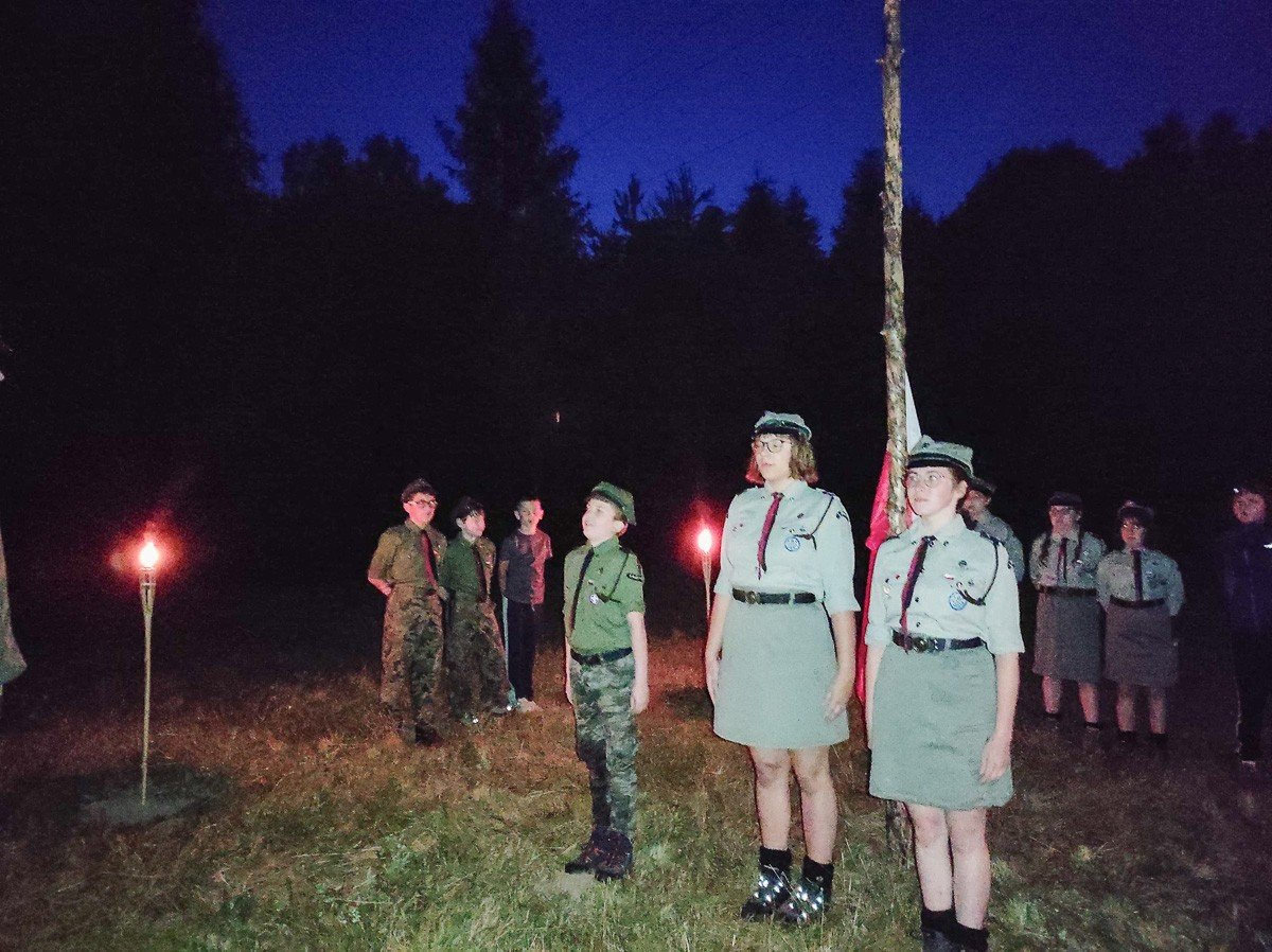 Harcerze z Hufca ZHP Bolesławiec na obozach w Krępnicy (gmina Bolesławiec), Kliczkowie oraz Osieczowie (gmina Osiecznica)