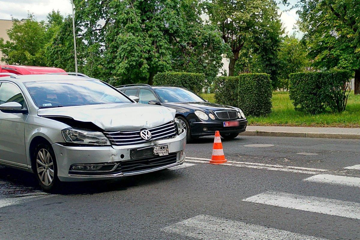 Auta po potrąceniu pieszej na ul. Garncarskiej