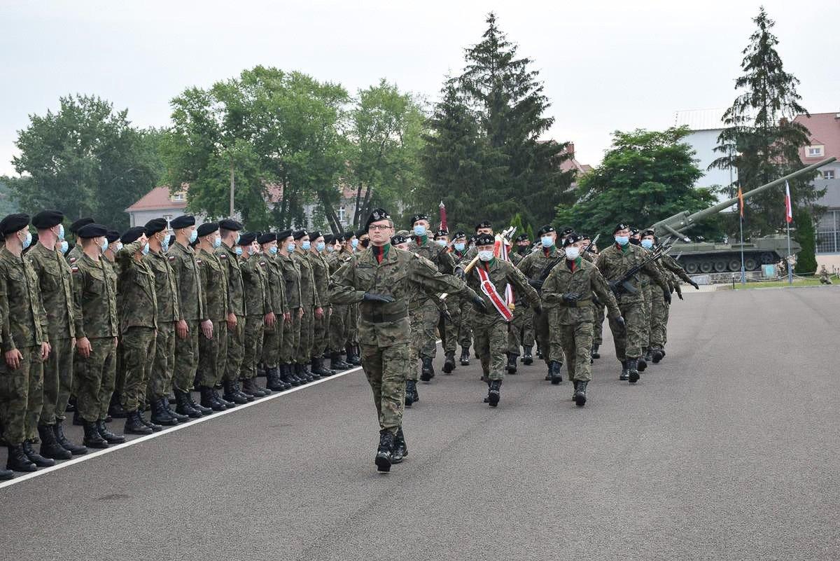 Święto Wojska Polskiego w 23 Pułku Artylerii w Bolesławcu