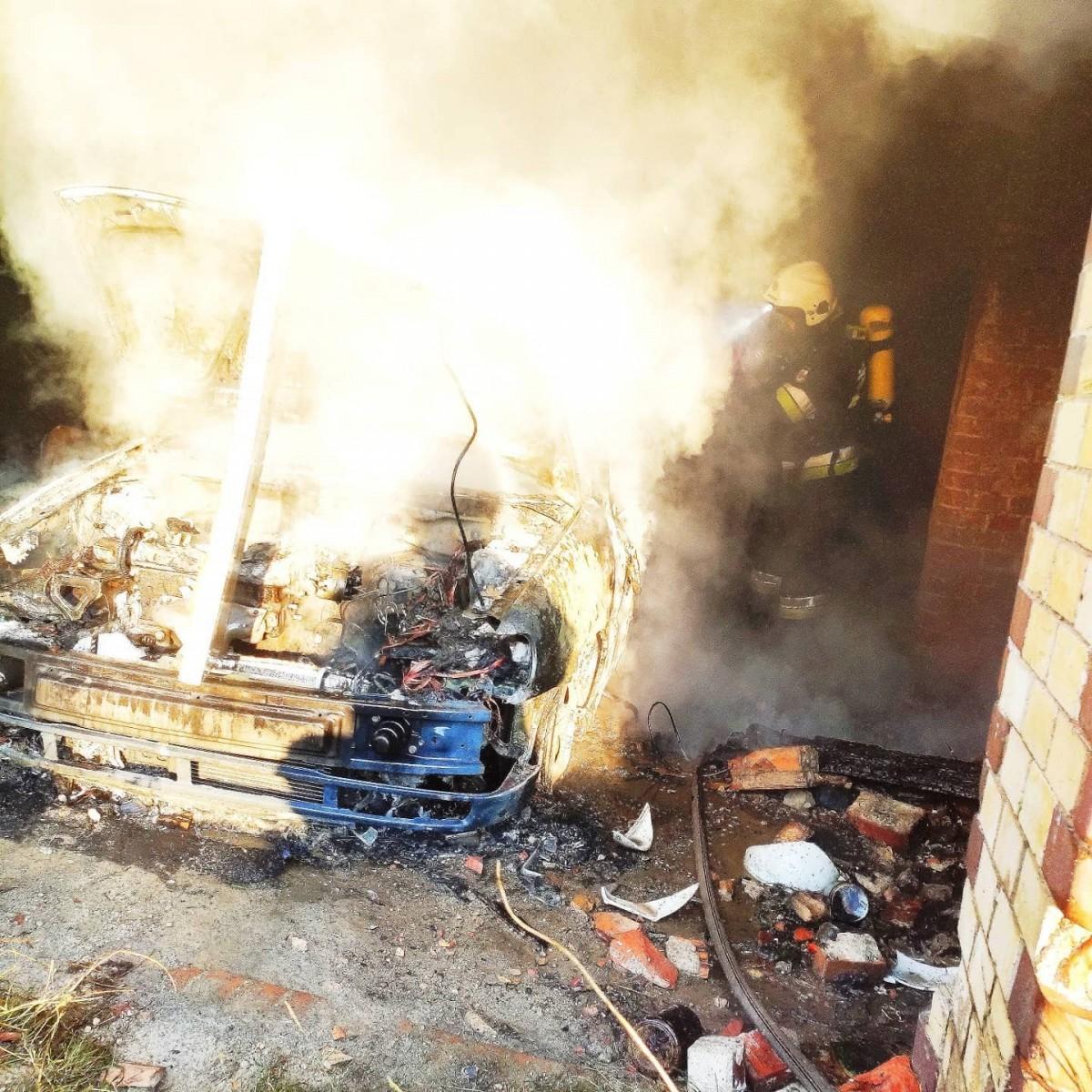 Trzeci pożar na terenie b. klinkierni w Nowogrodźcu (powiat bolesławiecki)