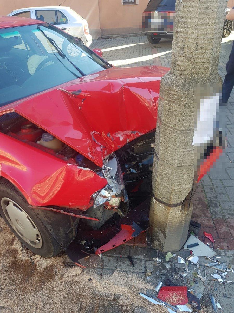 Auto rozbite po pościgu i podejrzany